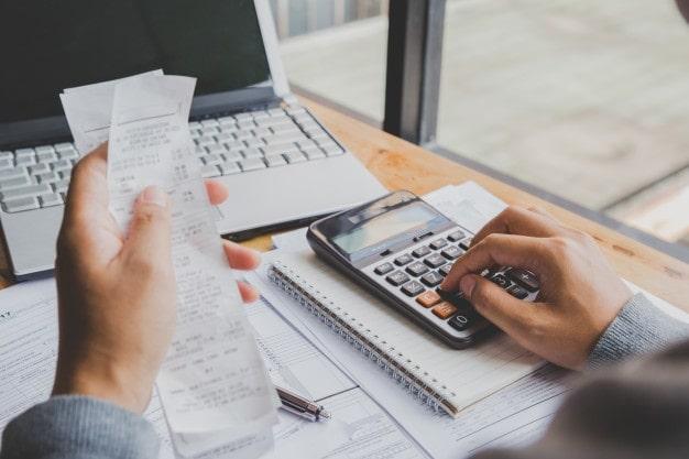 مالیات اطلاعات پولی و مالی