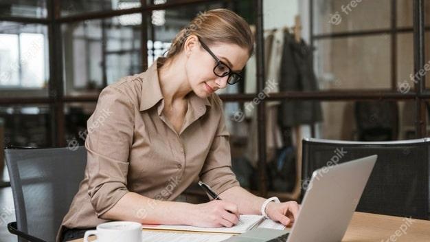 حق بیمه قراردادهای پژوهشی